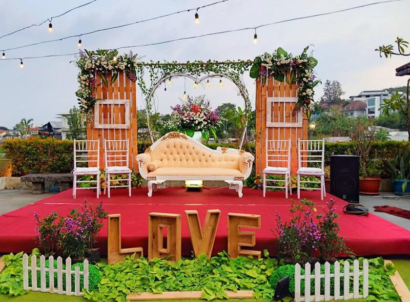 Dekorasi Pernikahan Outdoor Semarang Konsep Rustic Info
