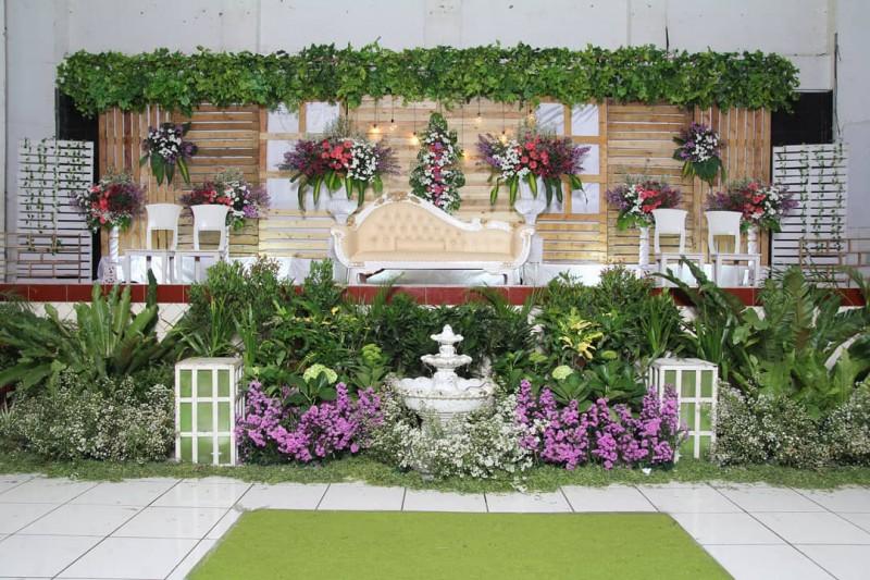 Hasil Instalasi Dekorasi Pernikahan Rustic Dengan Durasi