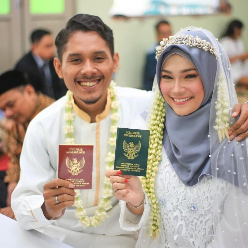 Selamat Atas Pernikahan Kalian Kami Berdoa Agar