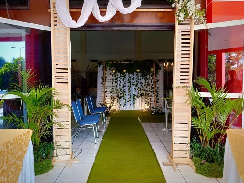 Dekorasi Pintu Masuk Pernikahan Di Gedung Manunggal