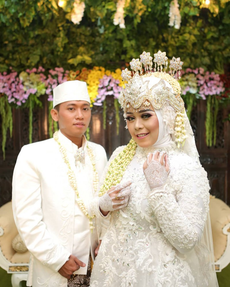 Pernikahan Hakim Amp Devi Info Lengkap Hubungi